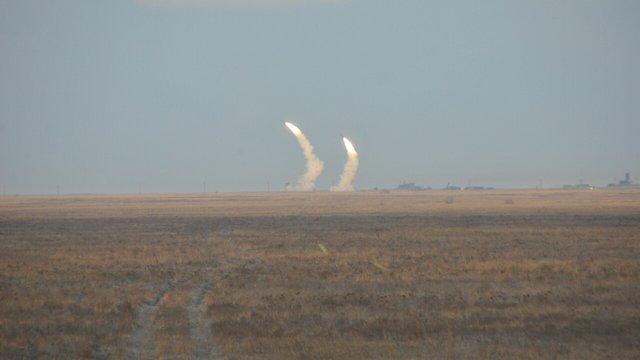Порошенкові повідомили про успішні запуски керованих ракет на півдні України