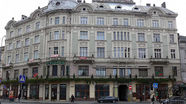 Львівська міськрада продасть один поверх колишнього кінотеатру у центрі міста