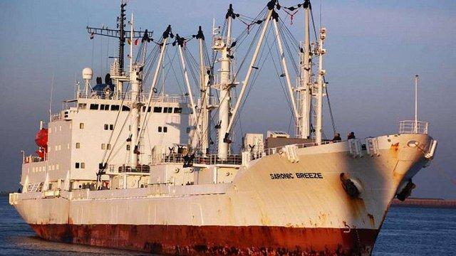 Пірати звільнили двох українських моряків із захопленого судна біля берегів Беніну