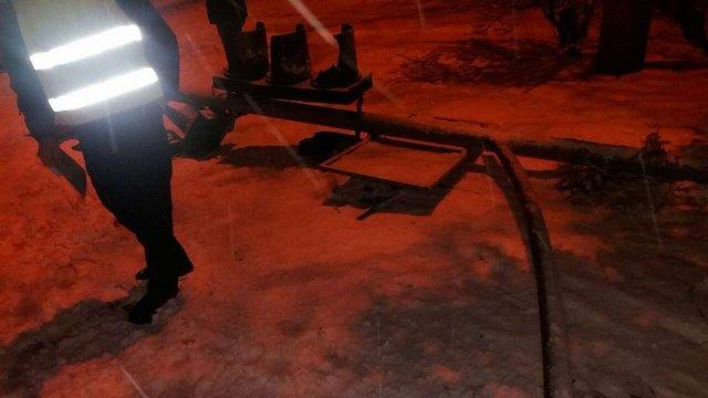 П'яний водій позашляховика зніс світлофор на перехресті у Львові