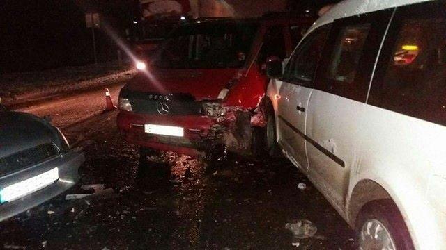 У подвійній ДТП біля Львова постраждали п'ятеро людей