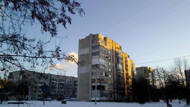 З львівської багатоповерхівки відпав шматок стіни