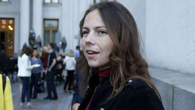 Сестра Надії Савченко написала заяву про вступ до Народного Руху України