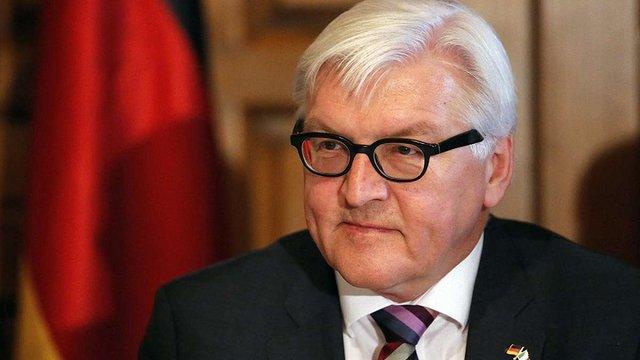 Штайнмаєр сподівається, що обмін полоненими на Донбасі відбудеться до Різдва