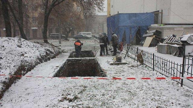 У центрі Львова археологи розкопали давнє кладовище і давньоруську споруду XIII ст.