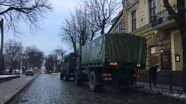 Центр Львова перекрили для проведення військового маршу