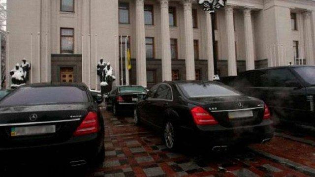 Ірина Геращенко заявила, що на автобазі Верховної Ради розкрадають пальне