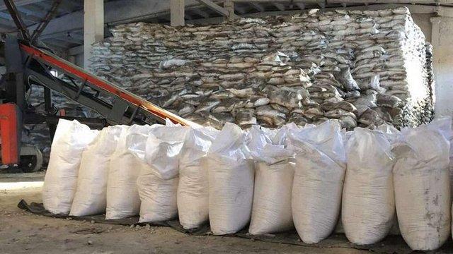 ГПУ і СБУ знайшли 1,3 тис. тонн цукру, вкраденого з Аграрного фонду 4 роки тому
