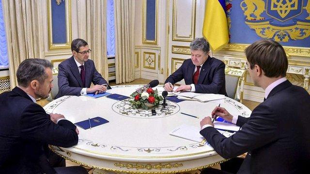 Президент підписав закони про джерела фінансування будівництва нових доріг