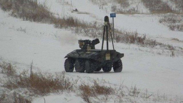 Український безпілотний БТР «Фантом» продемонстрував свої бойові можливості