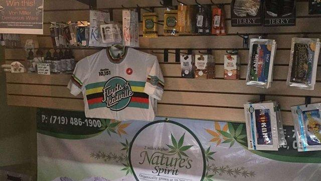 Переможець «Тур де Франс -2006» відкрив магазин з продажу марихуани