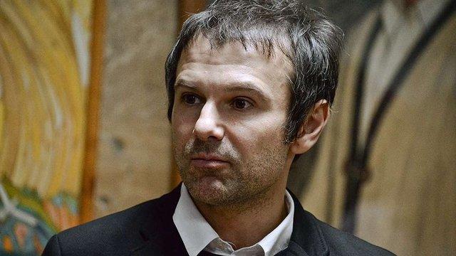 Вакарчук передав Порошенку лист про необхідність створення незалежних антикорупційних судів