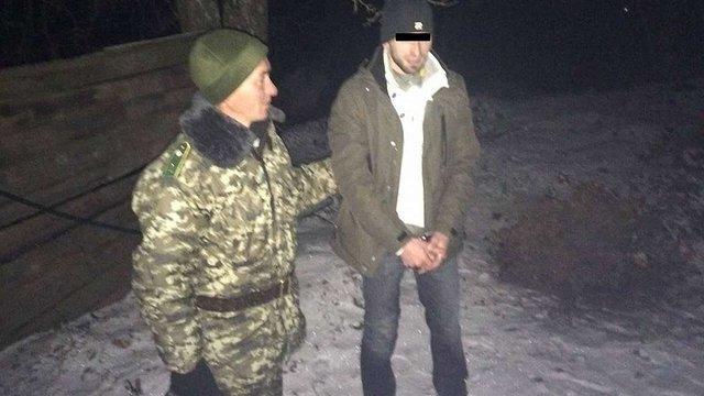 На Львівщині затримали чеченця, який нелегально вернувся з Європи за дружиною