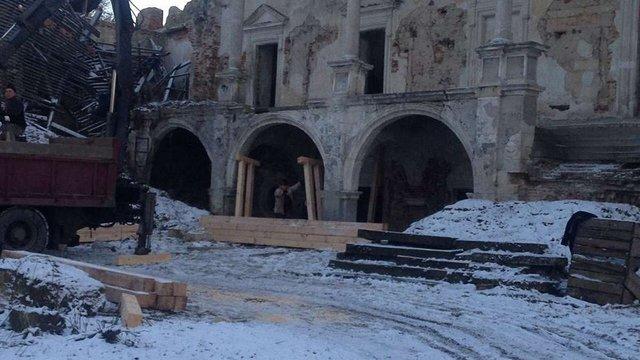 У напівзруйнованому Поморянському замку на Львівщині розпочали протиаварійні роботи