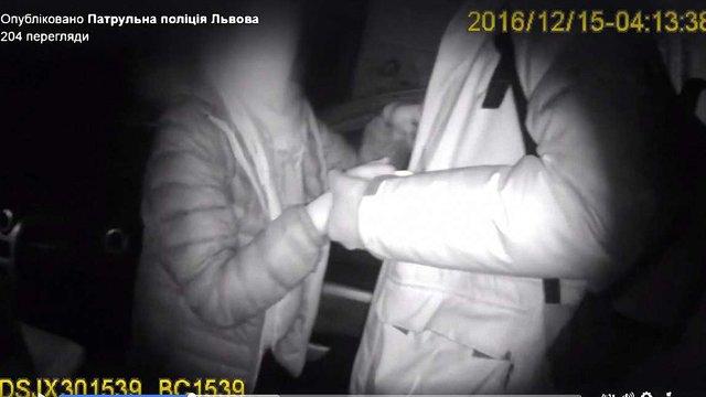 Вночі львівські патрульні супроводили вагітну жінку до пологового будинку