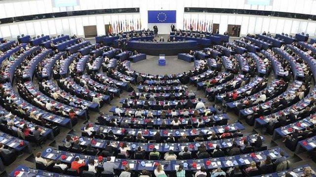 Європарламент ухвалив механізм призупинення безвізового режиму з Україною