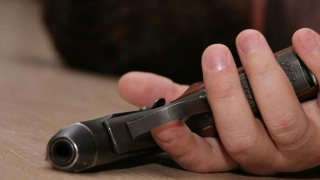 На Київщині під час затримання хімік-піротехнік поранив поліцейського і застрелився