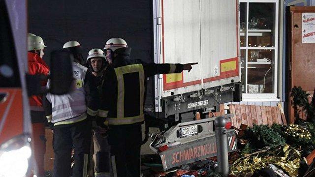 У вантажівці, яка в'їхала у натовп людей у Берліні, знайшли мертвого громадянина Польщі