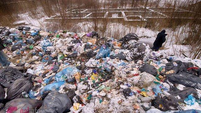 Мер Львова ініціював службове розслідування через складування сміття на вул. Вернадського