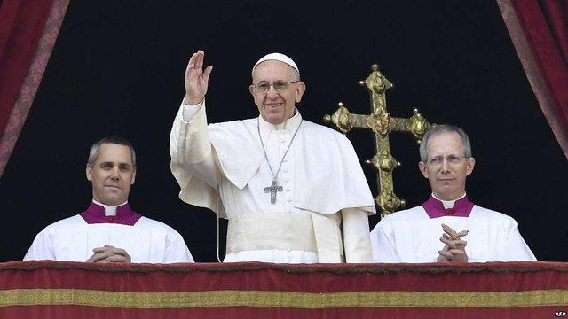 У щорічному різдвяному посланні Папа Римський закликав до миру на Донбасі і в цілому світі