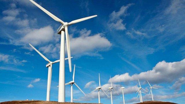 Відновлювана енергія стала дешевшою за нафту і газ у 30 країнах світу