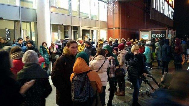 У Львові другий день поспіль «мінують» торговельні центри