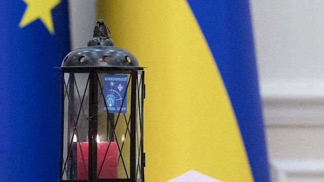 Вперше в історії України до уряду принесли Вифлеємський вогонь