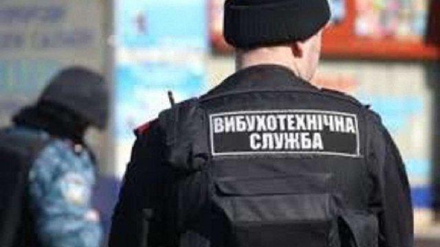 Вночі у Львові в третьому за добу торговому центрі шукали вибухівку