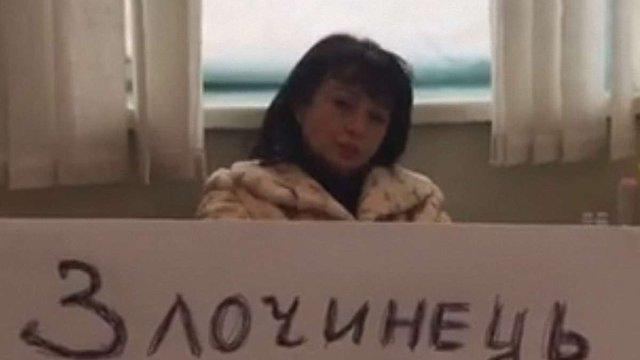 Парасюк зачинився у кабінеті з головним лікарем наркодиспансеру і не впускає поліцію