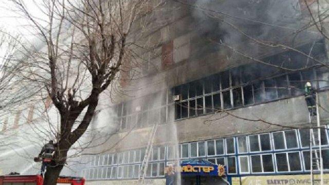 У Львові горіло приміщення заводу «Електрон»
