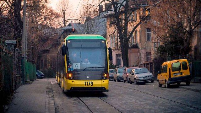 У різдвяну ніч Львовом курсуватимуть шість трамвайних маршрутів