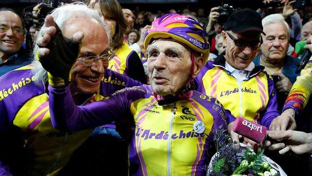105-річний французький велогонщик встановив рекорд (відео)
