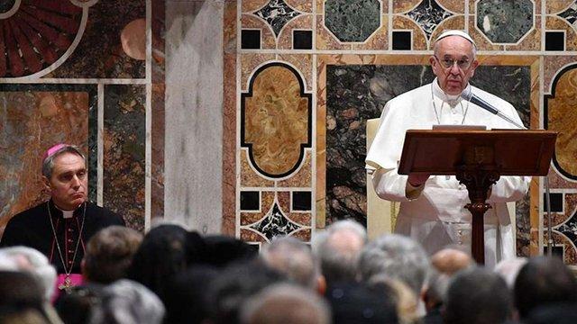 Папа Римський звернув увагу дипломатів на Україну