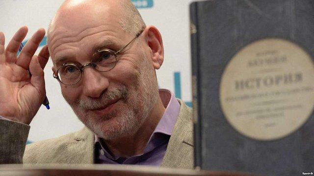 Письменник Борис Акунін вийшов з російського ПЕН-центру