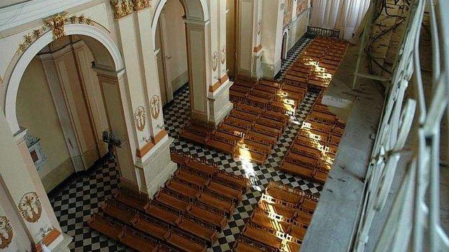 Суд дозволив львівським римо-католикам проводити богослужіння у органному залі