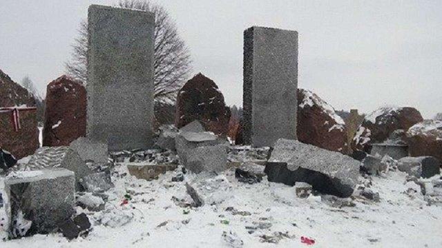 Експерти підтвердили, що пам'ятник у Гуті Пеняцькій підірвали
