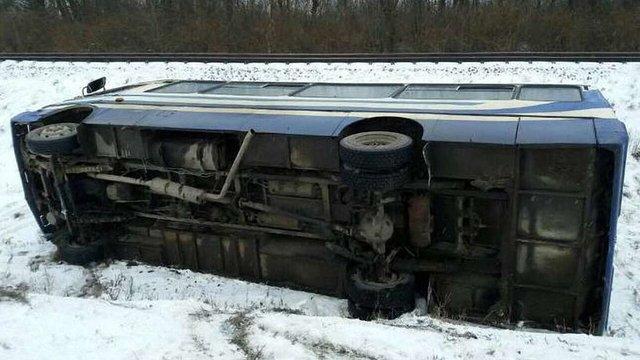 На трасі Львів-Луцьк перекинувся рейсовий автобус із пасажирами