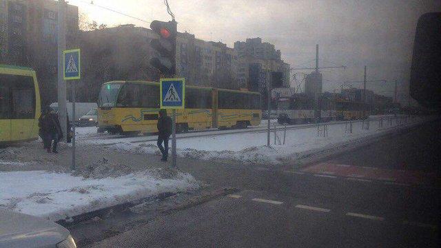 Через негоду у Львові вийшли з ладу майже половина трамваїв