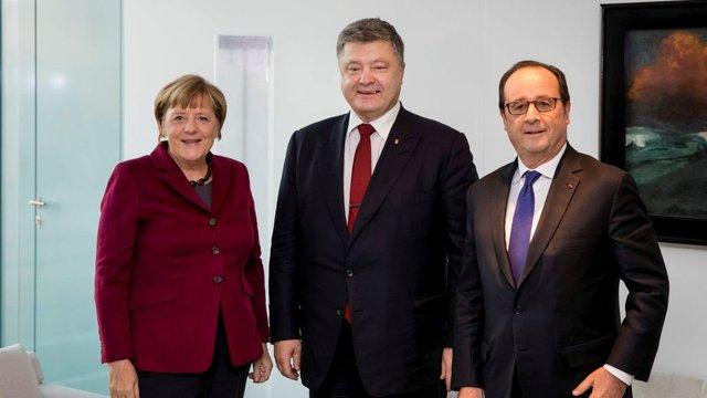 Порошенко, Меркель та Олланд домовилися продовжувати Мінські угоди