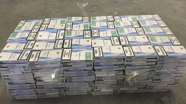 Двоє українців позбулися автомобілів через 800 пачок контрабандних сигарет