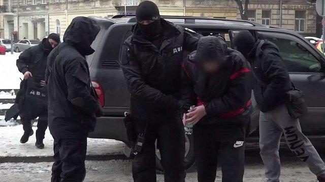 У Львові затримали наркоторговця під час передачі ₴120 тис. поліції за покривання бізнесу