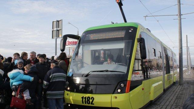 Львівська мерія дозволила експеримент з електронної оплати проїзду в трамваях