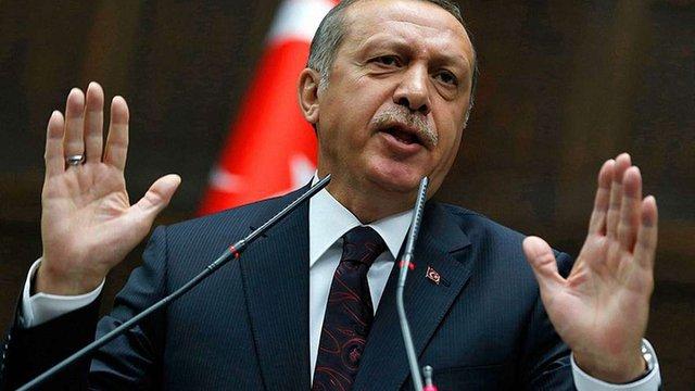 У Туреччині парламент проголосував за посилення влади президента