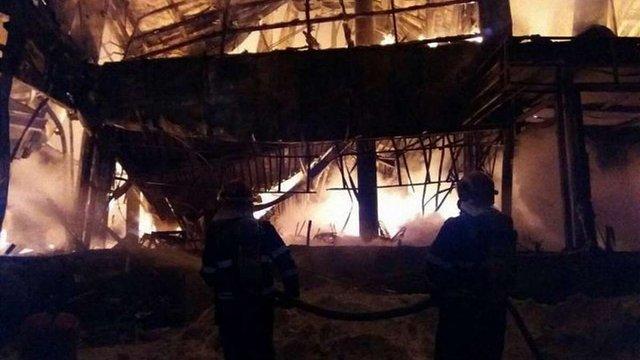 У Бухаресті внаслідок пожежі у нічному клубі постраждала 41 людина