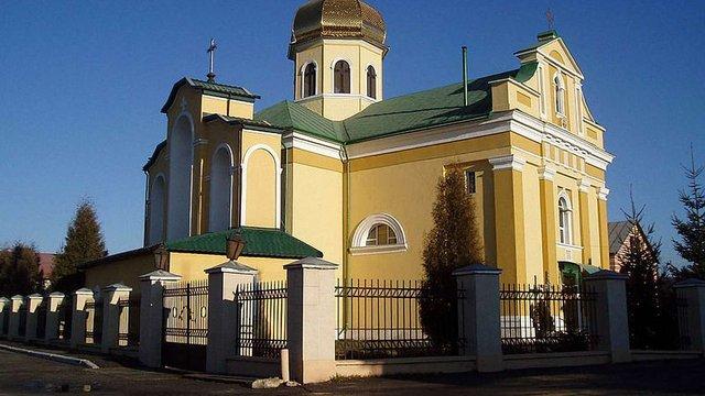 На Львівщині на гарячому затримали двох зловмисників під час крадіжки з церкви