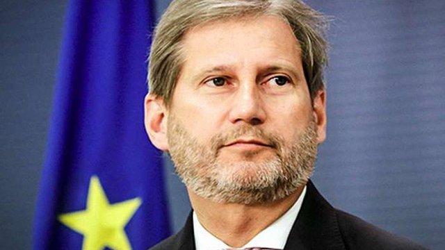 Єврокомісар повідомив коли Україна може отримати безвізовий режим