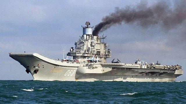 Міністр оборони Великобританії назвав російський авіаносець «Адмірал Кузнєцов» кораблем ганьби