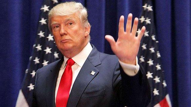 Дональд Трамп підписав указ про будівництво стіни на кордоні з Мексикою
