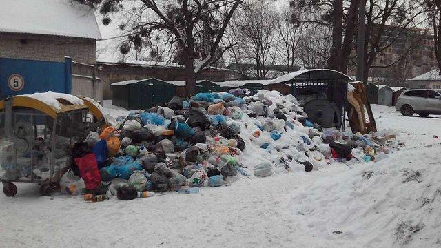 Договори щодо вивезення львівського сміття на полігони області діятимуть лише тиждень