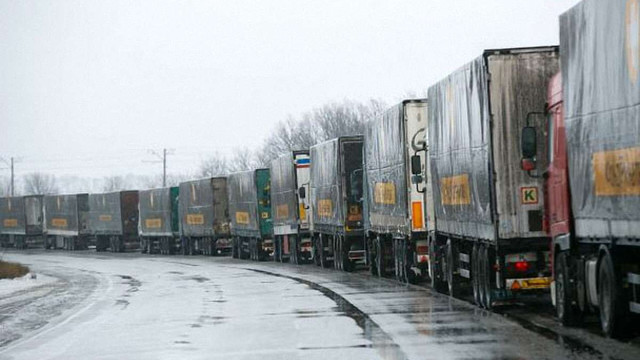 У вантажівці гуманітарної допомоги Ахметова виявили рації для бойовиків «ДНР»